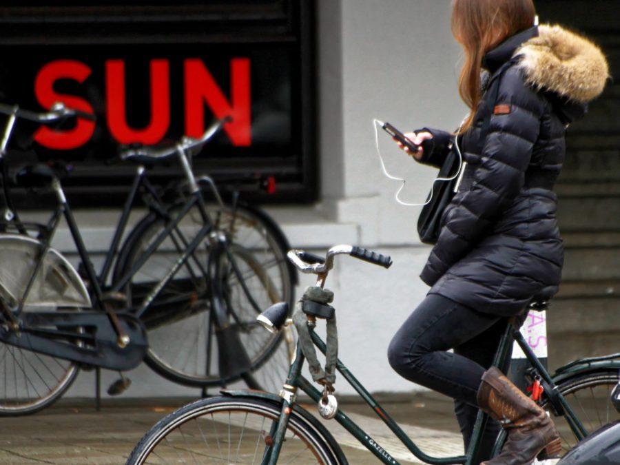 Geen verband tussen smartphonegebruik en verkeersongevallen bij jongeren